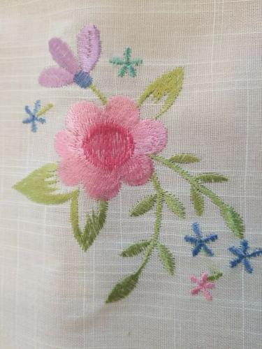 DII White Fabric Floral Embroidered Topper/Napkin/Tray New